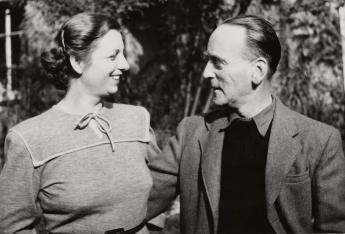 Gertrud and John Heartfield, Leipzig, 1950. Photo: Akademie der Künste, Berlin, JHA 599/15.1.13.